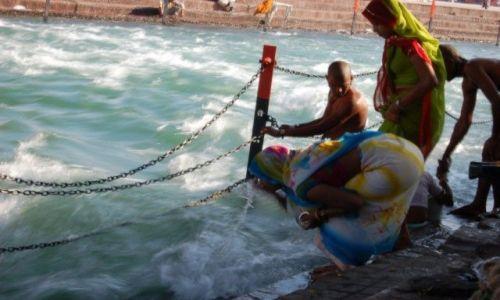 Zdjęcie INDIE / brak / Haridwar / Nad Gangesem