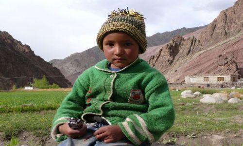 INDIE / Ladakh / Himalaje / mały Tybetańczyk