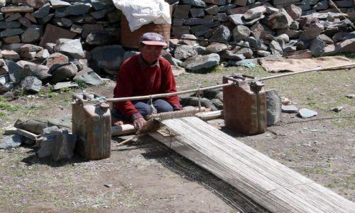 Zdjęcie INDIE / Himalaje / Ladakh / Ciężka praca