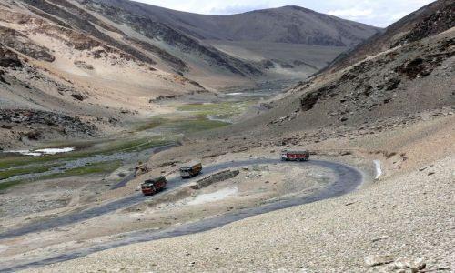 Zdjecie INDIE / Himalaje / Ladakh / Droga na przełę