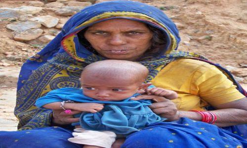 Zdjecie INDIE / Bihar / Sil�ej Tsal  / Matka z dziecki