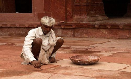 Zdjecie INDIE / Okolice Agry / Fathehpur Sikri / Konserwacja zabytków