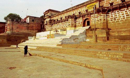 INDIE / brak / Varanasi / ghaty