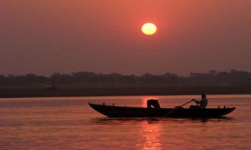 Zdjecie INDIE / brak / Varanasi / zachod slonca nad Gangesem