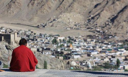 Zdjecie INDIE / Ladakh / Leh, Shanti stupa / Spokój ponad miastem