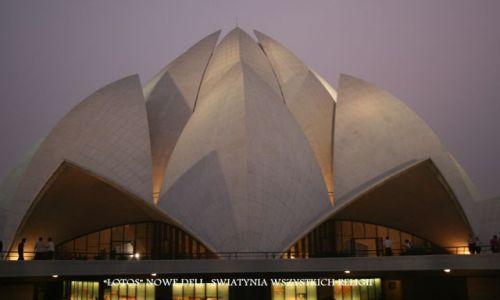 Zdjecie INDIE / brak / NEW DELHI / LOTUS TEMPLE (Swiątynia Lotosu-wszystkich religii)