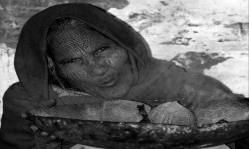 Zdjecie INDIE / brak / Varanasi / starość