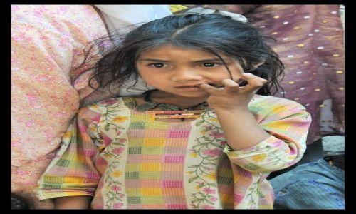 Zdjecie INDIE / Rajastan / Ajmer / dziewczynka