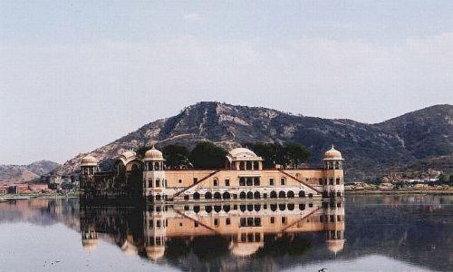 INDIE / Radżastan / Jaipur / pałac na wodzie