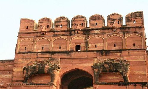 Zdjęcie INDIE / Uttar Pradesh / Fatehpur Sikri / Brama Słoni