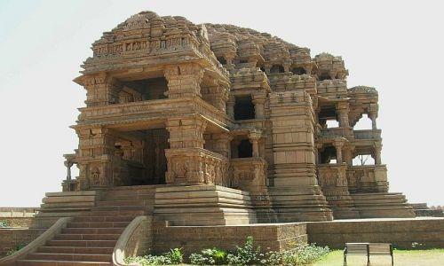 INDIE / Madhja Pradesh / Gwalior / Świątynia Sasbahu