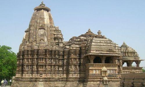 INDIE / Madhja Pradesh / Khajuraho / Świątynia 3 - grupa zachodnia