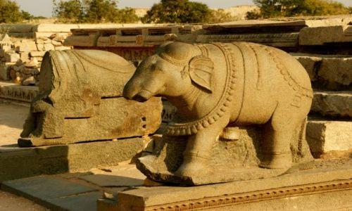 Zdjęcie INDIE / - / Hampi  / świątynia