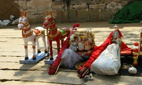 Zdjęcie INDIE / Hampi  / Hampi / Dary świątynne