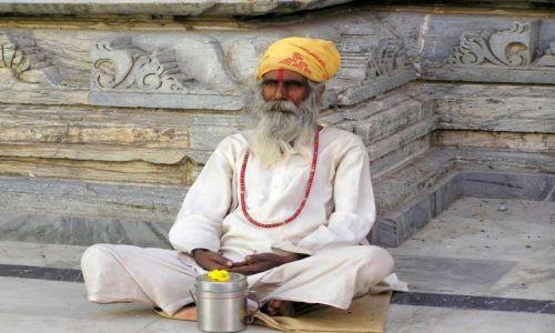 INDIE / Rajastan / Udajpur / sadhu - święty mąż