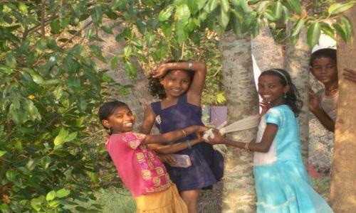 Zdjęcie INDIE / -Kerala / kanały między Kochin a Alapuzzha / Dzieci wszędzie są piękne!
