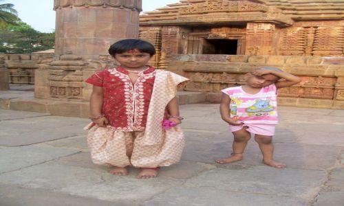 Zdjęcie INDIE / Orissa / Bhubaneswar / bracia