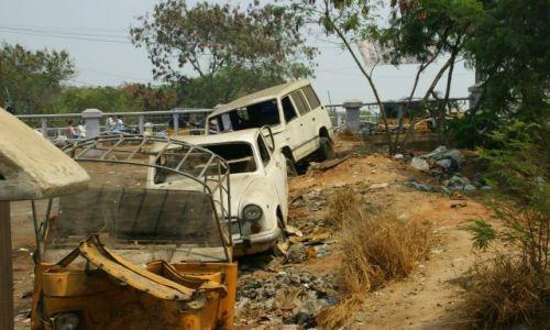 Zdjęcie INDIE / Chanai / Chanai / Zaparkowały i zostały