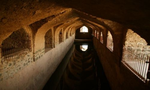 Zdjęcie INDIE / Mandi / Mandi / Zbiornik  wody