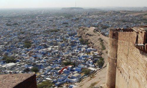 Zdjecie INDIE / Rajasthan / Jodhpur / fort w błękicie