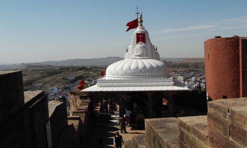 INDIE / Rajasthan / Jodhpur / fort Meherangarh - świątynia