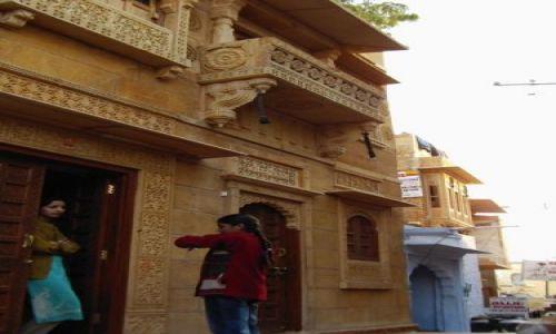 INDIE / Rajasthan / Jaisalmer - pustynia Thar / bajkowy fort - i jego mieszkańcy