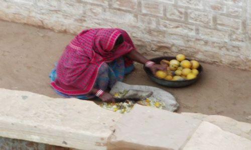 INDIE / Rajasthan / Jaisalmer - pustynia Thar / o poranku