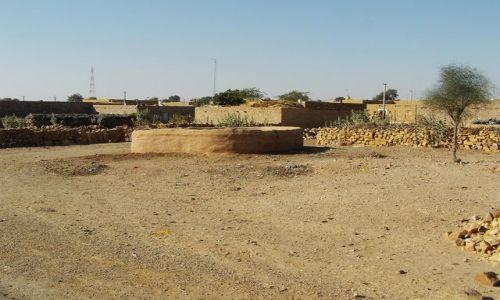INDIE / Rajasthan / Jaisalmer - pustynia Thar / pustynne osady