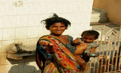 Zdjęcie INDIE / Junagadh / Junagadh / Grosik daj