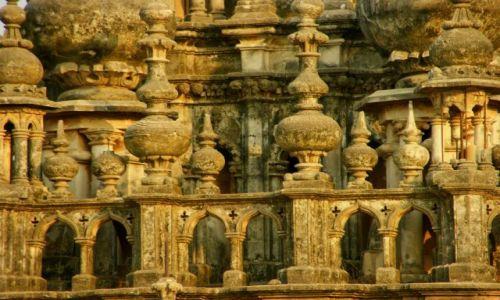 Zdjęcie INDIE / Jamnagar / Jamnagar / Minaret
