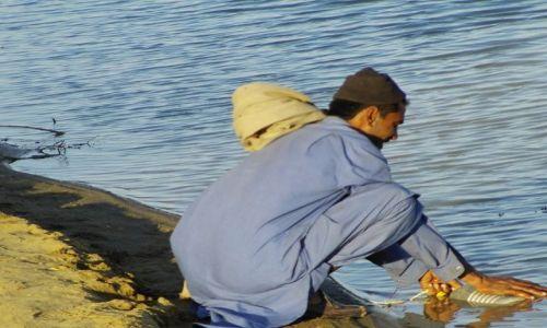 INDIE / Rajasthan / Jaisalmer - pustynia Thar / woda to prawdziwy skarb...