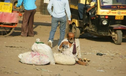 Zdjęcie INDIE / Bhujodi / Bhujodi / Ślepiec