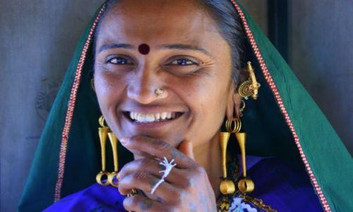 Zdjecie INDIE / Bhuj / Bhuj / Majatek  w  uszach