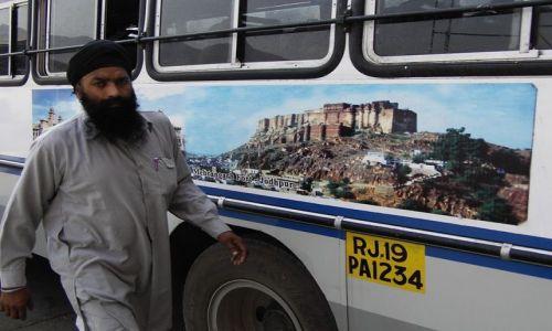 INDIE / Rajasthan / Jodhpur - Jaipur / w drodze do Jaipur