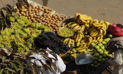 INDIE / Rajasthan / Jaipur / świeże owoce