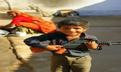 Zdjęcie INDIE / Kera / Kera / Ochrona  granic