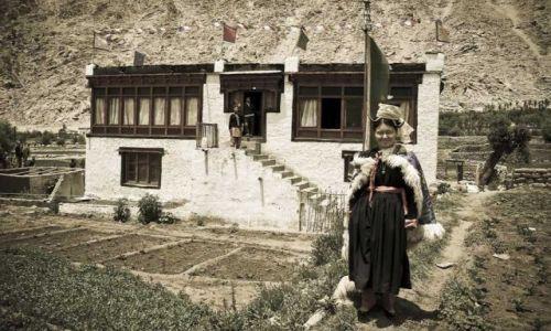Zdjęcie INDIE / Ladakh / Sakti / Dziewczyna z Sakti