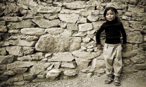 Zdjęcie INDIE / Ladakh / Lamayuru / Dziewczyna z Lamayuru