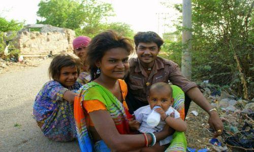 Zdjecie INDIE / Than / Than / Rodzinka