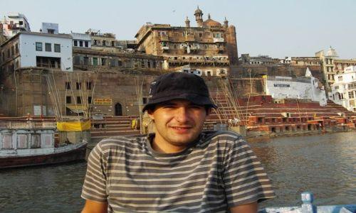 INDIE / Uttar Pradesh / Varanasi / wśród innego świata