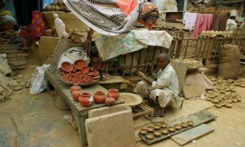 INDIE / Delhi / Delhi / Garncarz