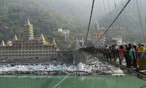 INDIE / Uttaranchal / Rishikesh / widok na Ashramy
