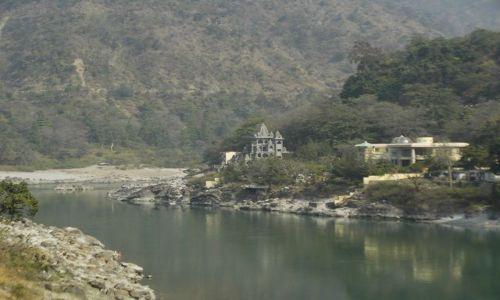 INDIE / Uttaranchal / Rishikesh / blisko źródeł Gangesu