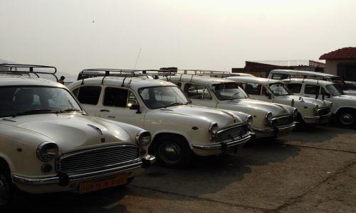 INDIE / Uttaranchal / Rishikesh / taxi