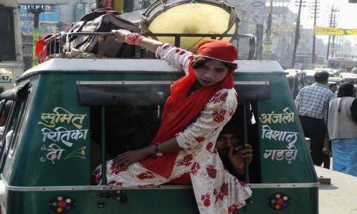 Zdjecie INDIE / Uttaranchal / Hardiwar / czyżby zespół muzyczny