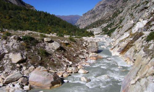 Zdjecie INDIE / Uttarakhand / Park Narodowy Gangotri / Ganga znaczy