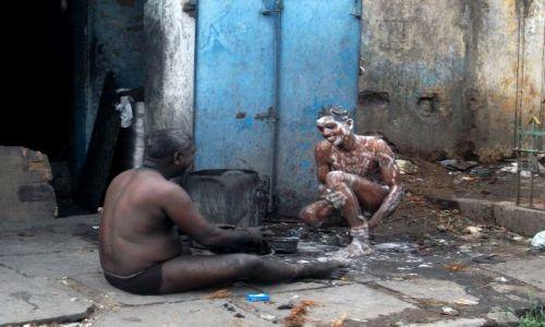 Zdjecie INDIE / Tamil Nadu / Chennai (Madras) / ... wieczorne ablucje ...