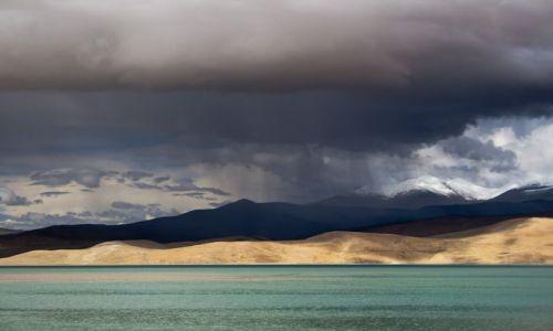 Zdjecie INDIE / Ladakh / Jezioro TsoMoriri / Burza