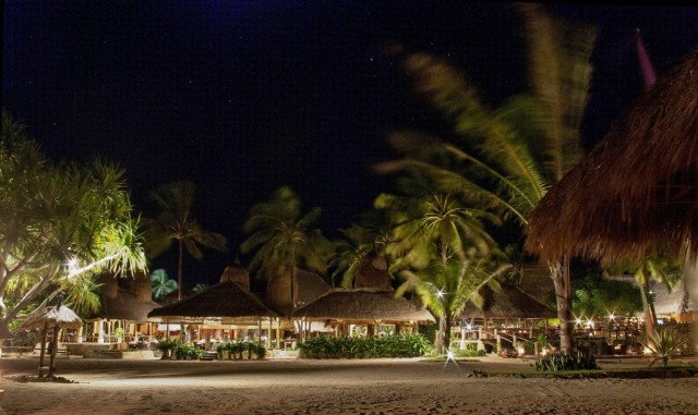 Zdjęcia: Okolice wsi Kuta, Lombok, Novotel nocą-Lombok, INDONEZJA