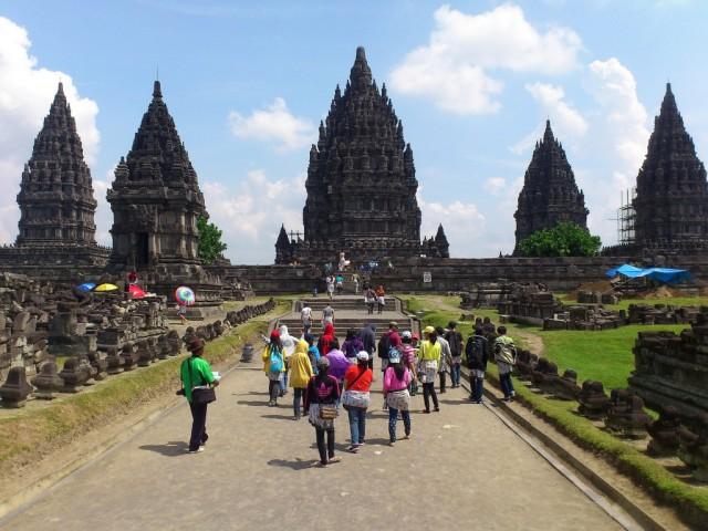 Zdjęcia: Prambanan, Jawa, Wiecznie tłoczny Prambanan, INDONEZJA
